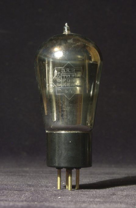 Telefunken RE 604 power triode, 1928